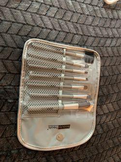New makeup brushes set. $6 Thumbnail