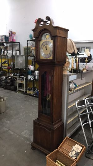 Howard Miller Grandfather Clock for Sale in St. Louis, MO