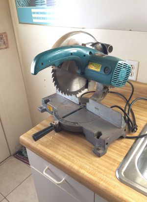Makita 10 inch saw for Sale in Odenton, MD