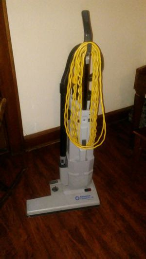 "Vacuum Commercial Advance dual motor 18"" vacuum. Works great! Reduced for sale  Skiatook, OK"