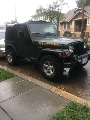 Jeep Wrangler 1997 con solo 131,000 motor y transmisión en perfectas condiciones segundo dueño for Sale in Washington, DC