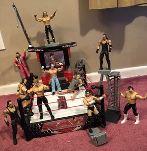 WWW Raw playset with 10 action figures for Sale in Winter Park, FL