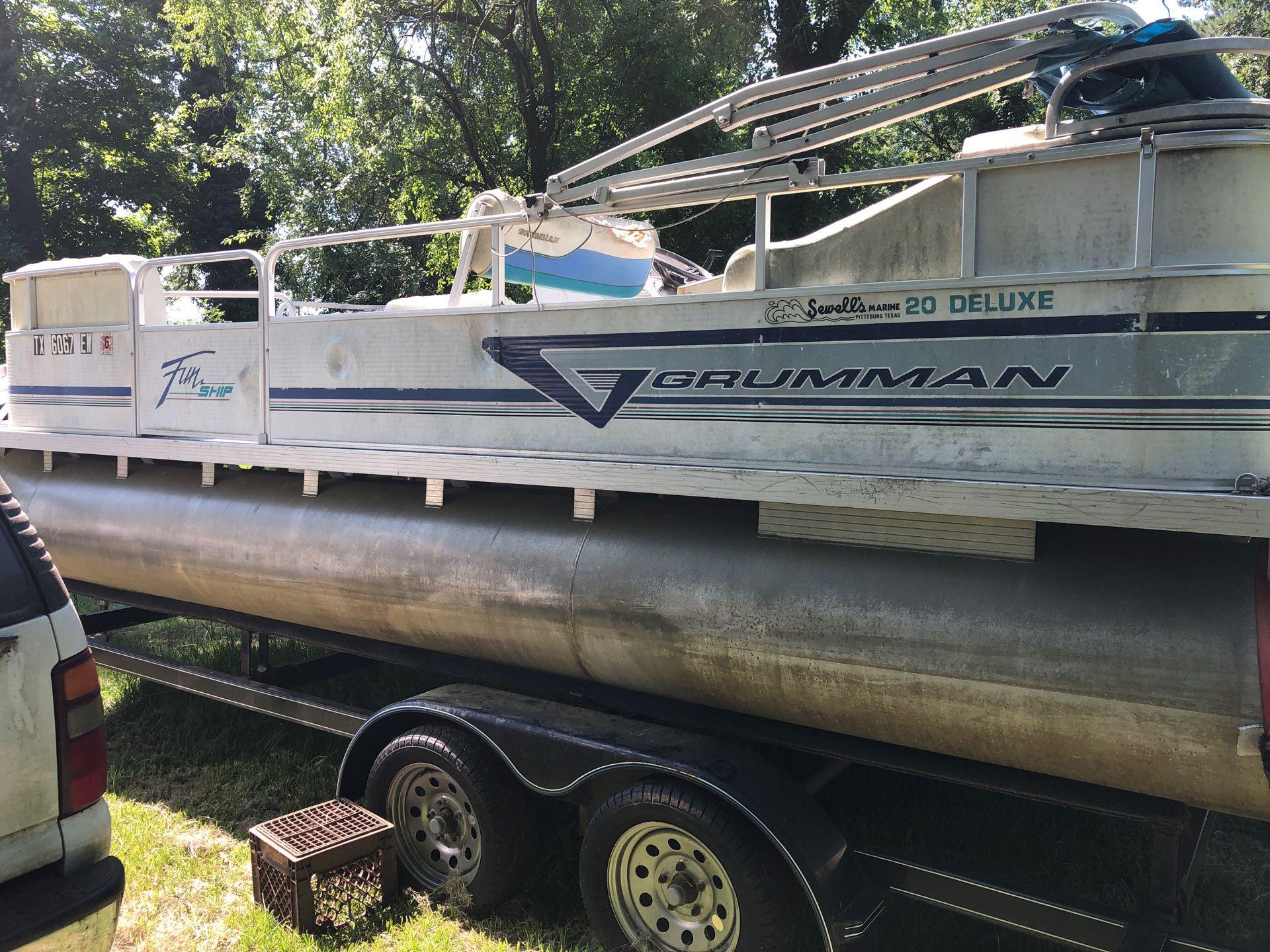 Photo Gruman 20 ft pontoon boat