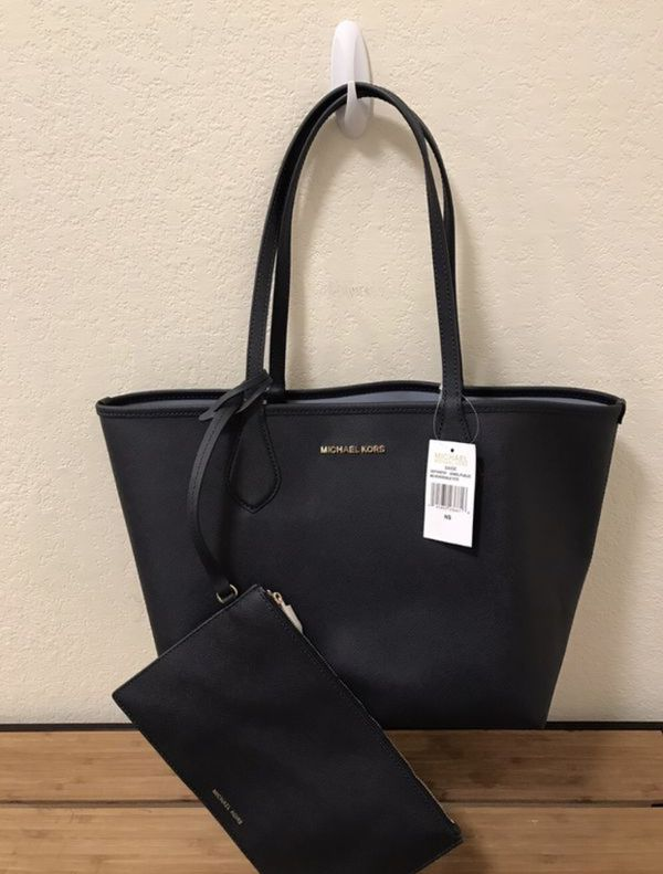 50af3898b5e0 Authentic Michael Kors Tote for Sale in San Diego, CA - OfferUp