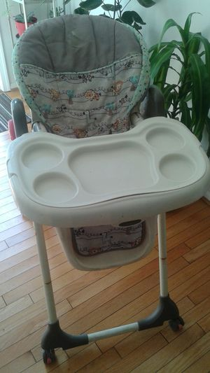 Baby trend High Chair for Sale in Germantown, MD