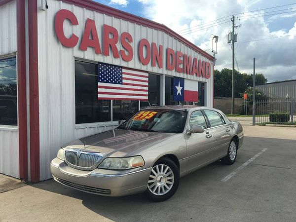 2003 Lincoln Town Car Executive For Sale In Pasadena Tx Offerup