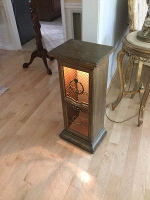 Antique curio cabinet with light for Sale in Reston, VA