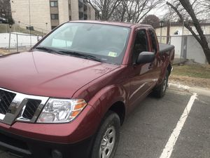 2015 Nissan Frontier for sale with 29k miles. Clean va title and safety and emission up to date for Sale in Alexandria, VA