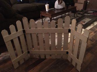 Distressed folding decorative fence Thumbnail