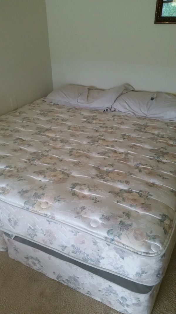 Barely Used King Size Bed For Sale In Essex Md Offerup