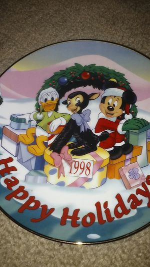 Photo Disney Christmas 1998 Collectible Plate limited to 3,000 pieces