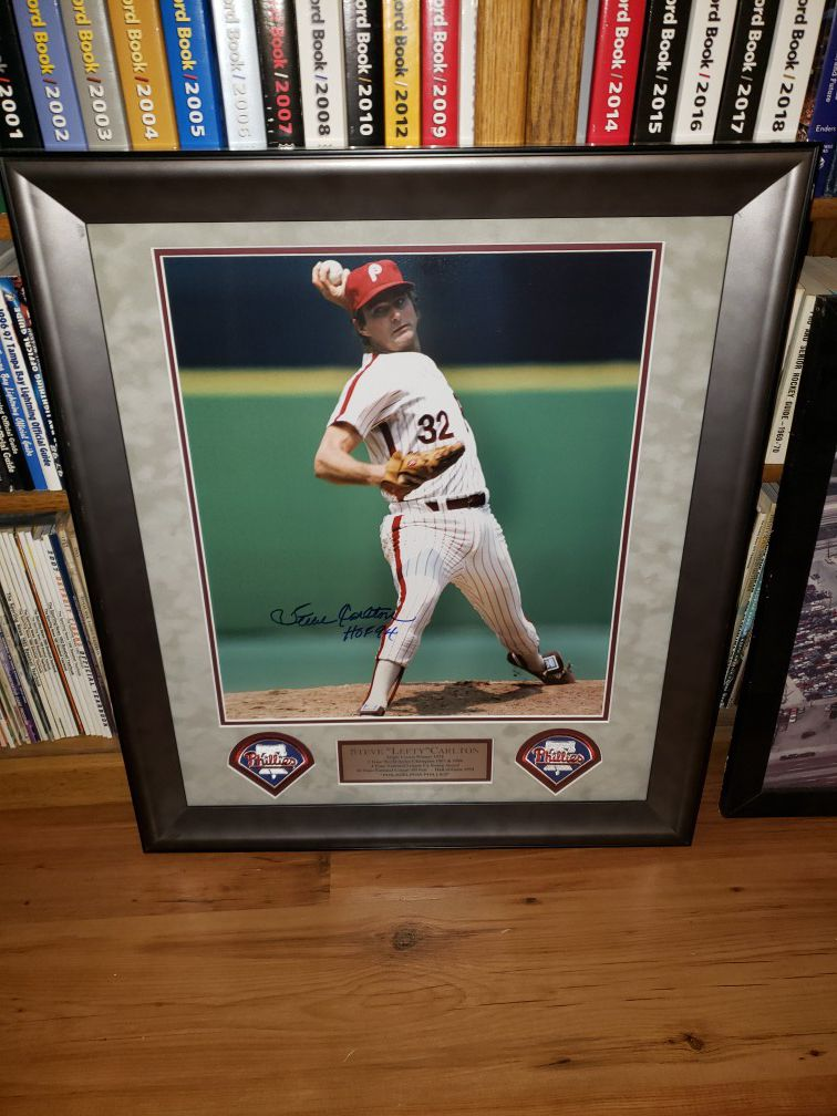 Autographed Philadelphia Phillies