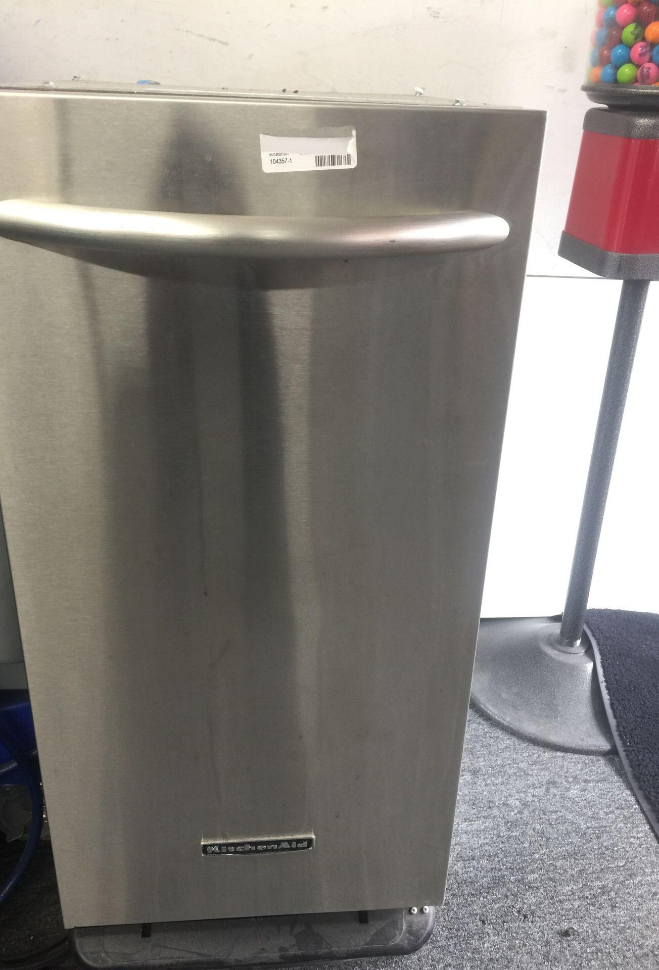 Kitchen aid compactor