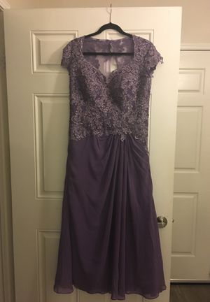 Light purple bridesmaid/prom gown for Sale in San Diego, CA