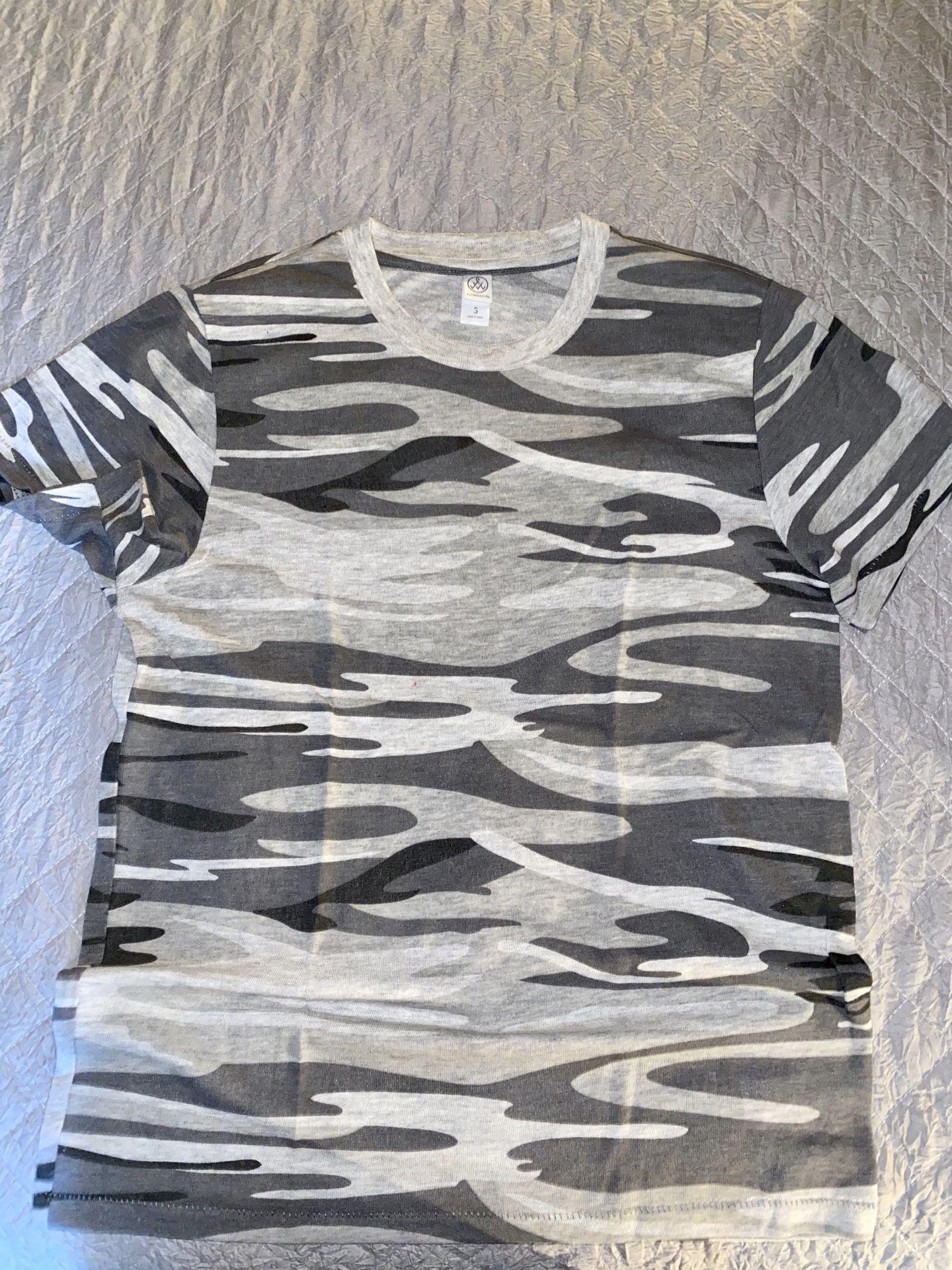 Alternative Apparel Camo t-shirt.
