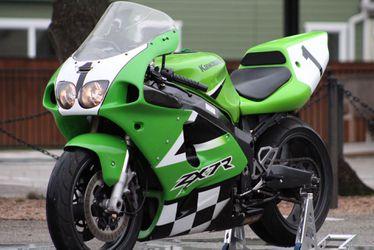2003 Kawasaki Zx7R Thumbnail