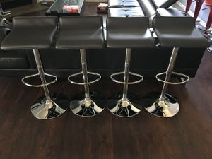 Photo Brand new set of 4 black bar stools flat / flat black pub stools (height adjustable and swivel) NEW IN BOX