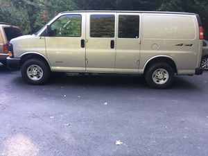 2005 Chevy Express 2500 4x4! for Sale in Fairfax Station, VA