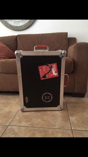 Gator pedalboard for Sale in Alafaya, FL