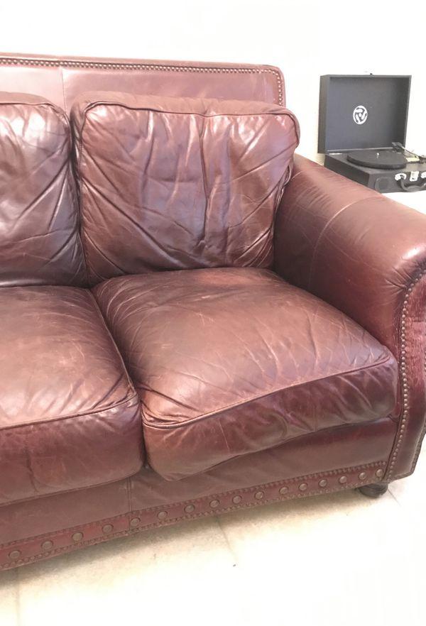 Leather sofa (Furniture) in Gainesville, FL - OfferUp