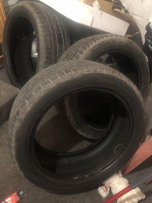 Photo 285/45/22 tires for trucks