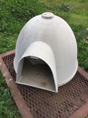 Photo Igloo doghouse for medium size dog