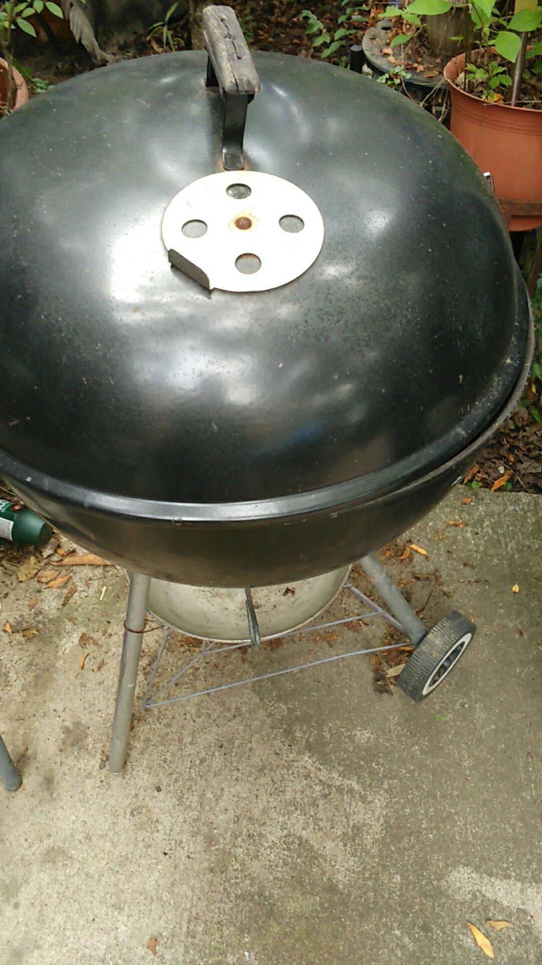 $35 deep dish Weber grill large charcoal also have a lot of other charcoal grills Kingsford