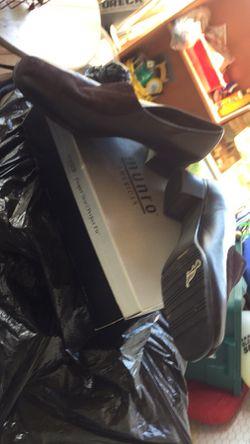 Zapato de caballero antiguo muy buenas condiciones $60 oh mejor oferta... Thumbnail