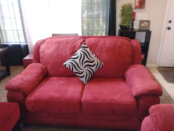 Super cute red couch set💕 for Sale in Ceres, CA - OfferUp