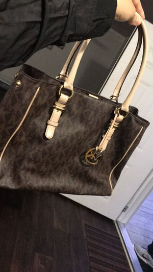 Michael kors large for Sale in Dallas, TX