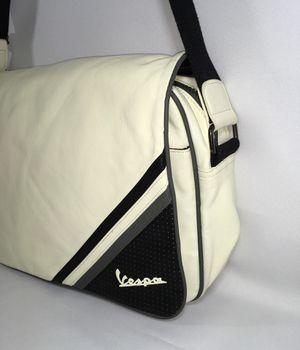 """Eco-Leather White Vintage 15/"""" Laptop Vespa Shoulder Bag Daily"""