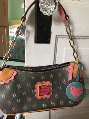 Photo Dooney and Bourke small tote w chain GORGEOUS