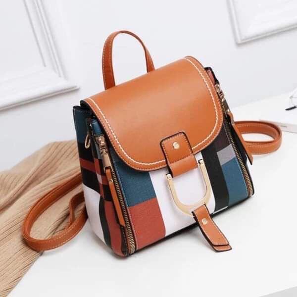 Woman's leather handbag / Backpack
