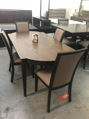 Rustic 5PC Dining Table Set Retail 1099 We Have It For Only 750