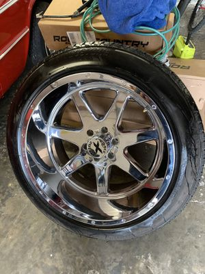 Photo 22x12 xtreme forces on 275-50-22 tires brand new 6 lug chevy