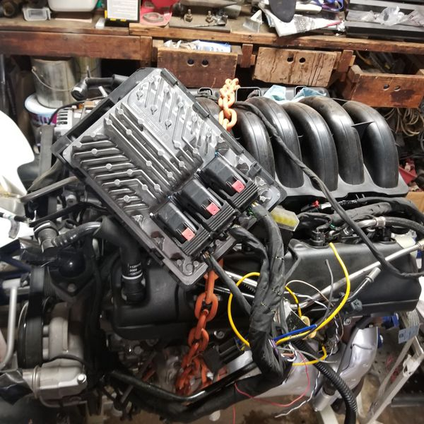 2018 5.3 L83 Engine 8k Miles With Harnesses And ECU For