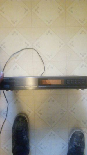 Quartz synthesized fm stereo/am tuner ri for Sale in Apex, NC
