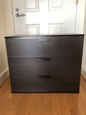 "DRESSER NIGHTSTAND WITH 3-DRAWER 30"" for Sale in Washington, DC"