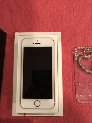iPhone 5s + accessories for Sale in Sterling, VA