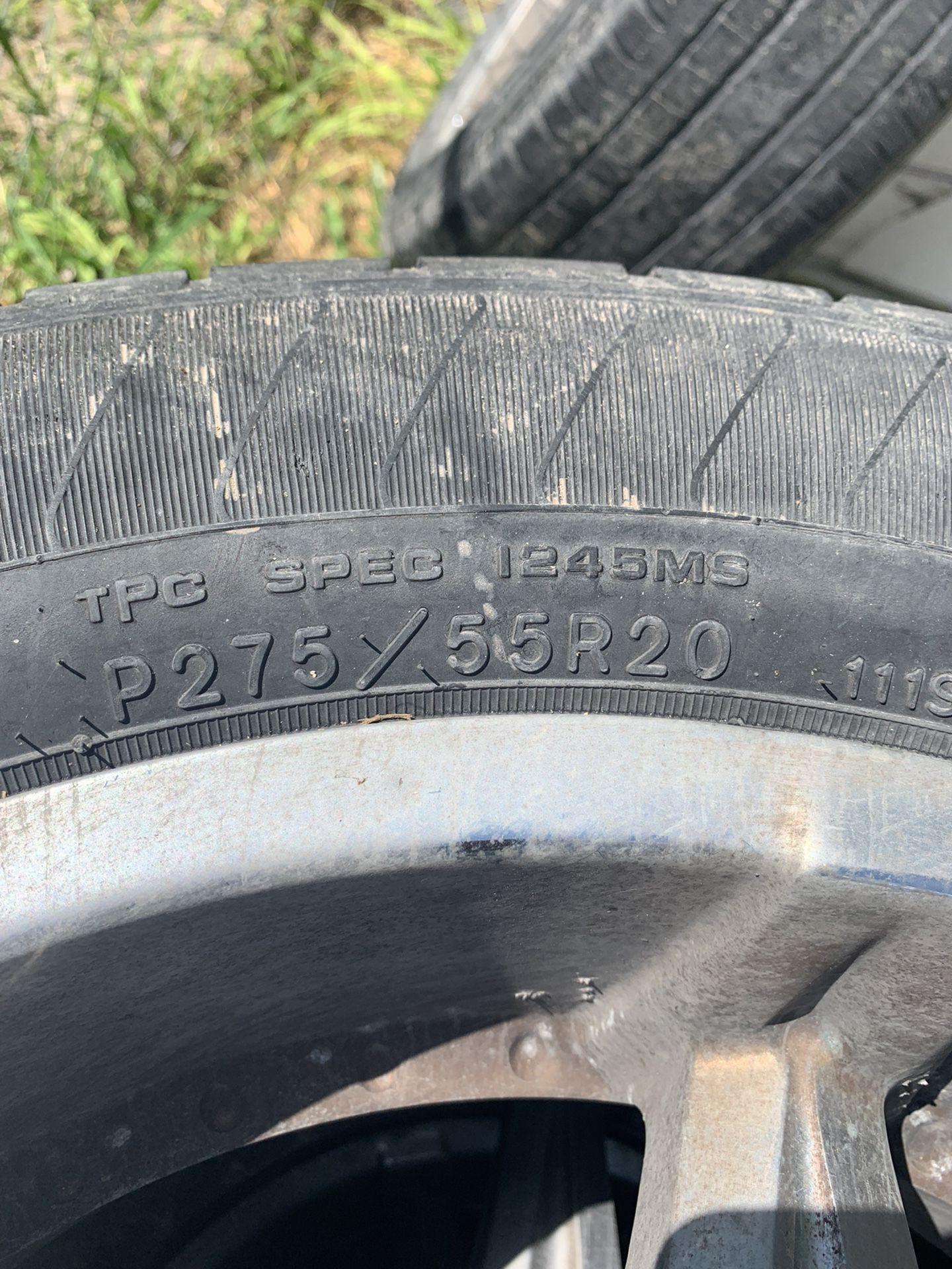 Tires 275 55/20