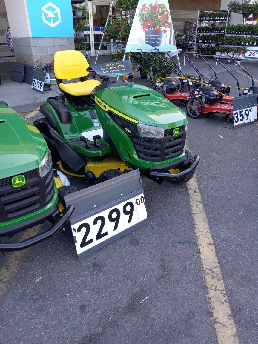 Photo John Deere S130 Riding Lawn Mower Lowes Price 2299.00,im Letting My Brand New Never Been Used One For1700.00