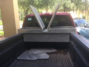 Diamond Plated Locking Tool Box With Key for Sale in Davenport, FL