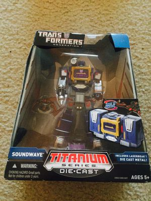 Transformers Titanium Series Soundwave for Sale in Silver Spring, MD