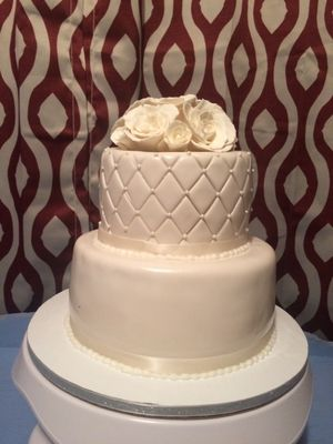 Simple wedding cake for Sale in Tampa, FL