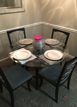 Dining room table for Sale in Gaithersburg, MD