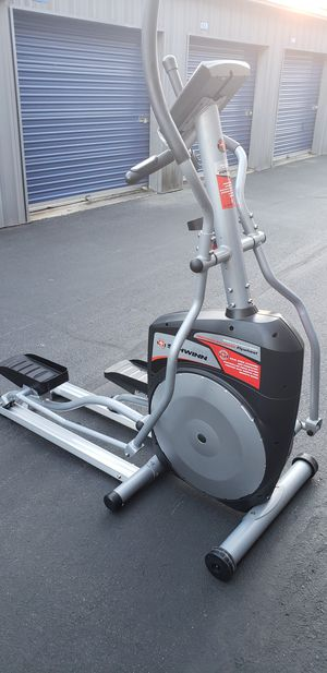 Elliptical Schwinn 430 for Sale in Columbia, MD