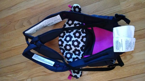 5b2f4cb5f41 Evenflo Breathable Carrier (Baby   Kids) in Cleveland