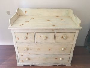 Antique baby dresser and changing table for Sale in Los Angeles, CA
