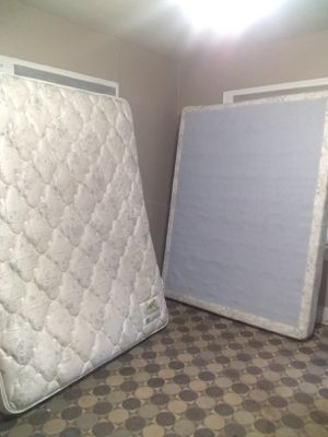 Photo Queen size bed: Mattress, box spring - $65 total - Price includes delivery