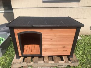 Photo Precision Pet by Petmate Weather-Resistant Log Cabin Dog House